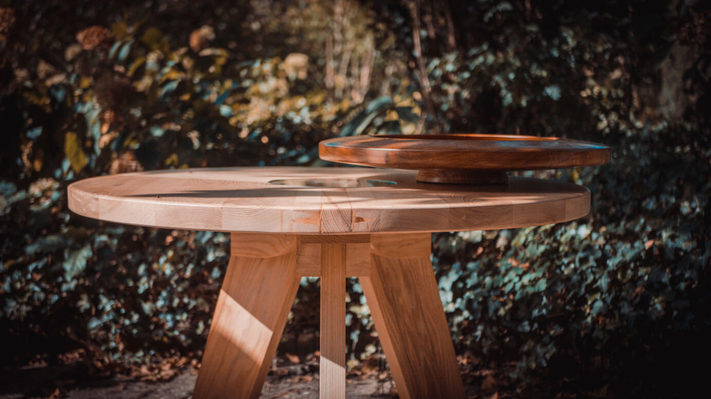 https://deschuurmannen.nl/wp-content/uploads/2018/10/Schuurmannen-producten-meubelmakerij-salontafel.jpg